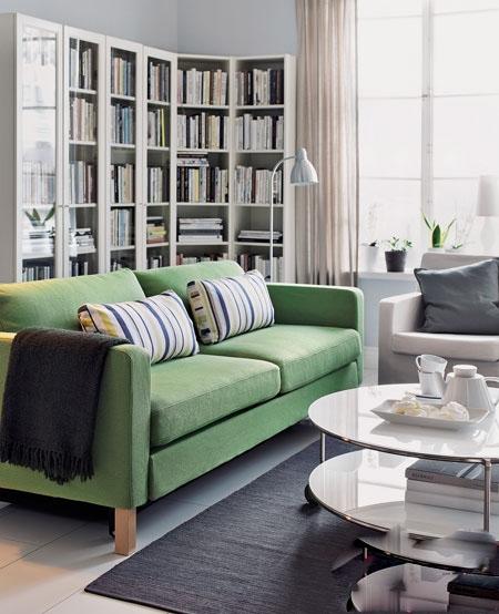 豆绿色的布艺沙发