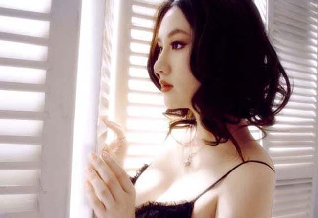 """孟瑶/被誉为""""晶女郎""""的孟瑶,自从今年3月宣传完王晶电影《未来警察..."""