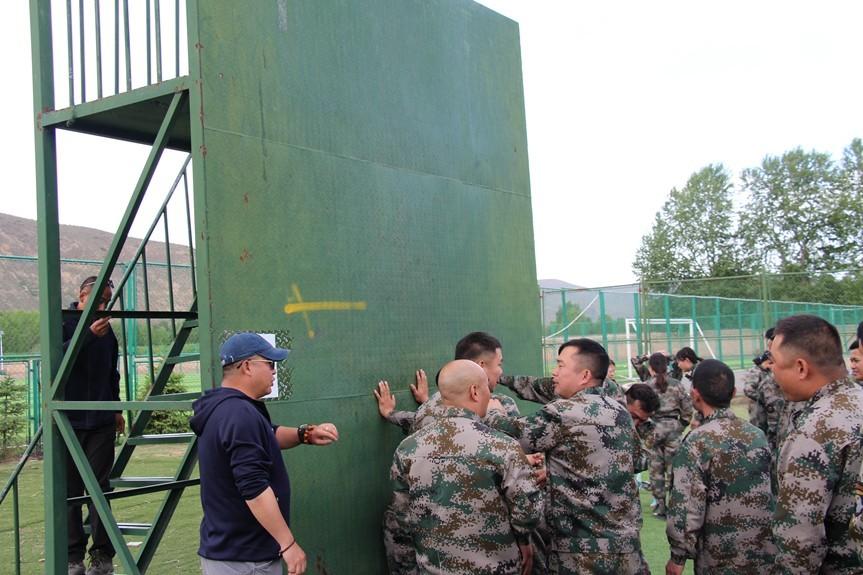 西宁业之峰 工程交付中心 毕业墙